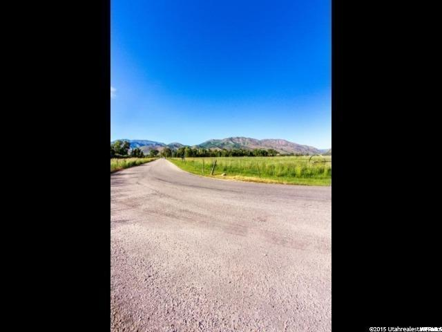 Additional photo for property listing at 9060 E 1300 S 9060 E 1300 S Huntsville, Utah 84317 United States