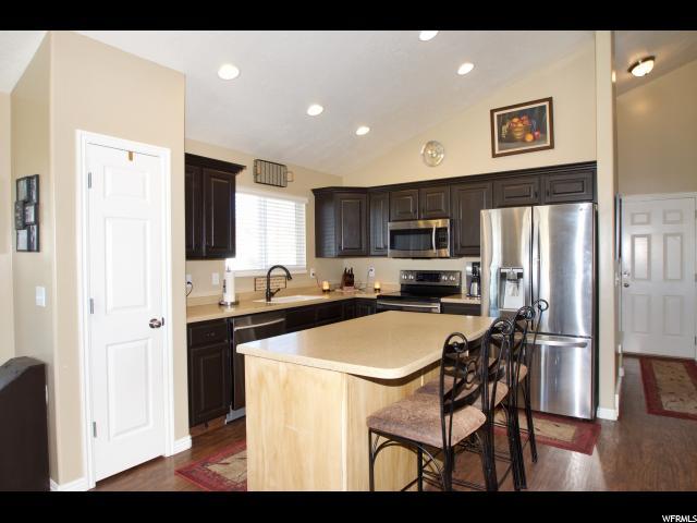 Additional photo for property listing at 2831 N WYNDOM WAY  Layton, Utah 84040 United States