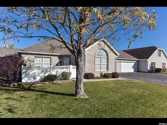 Appartement en copropriété pour l Vente à 4692 W VILLA VIEW Drive 4692 W VILLA VIEW Drive Unit: B West Valley City, Utah 84120 États-Unis