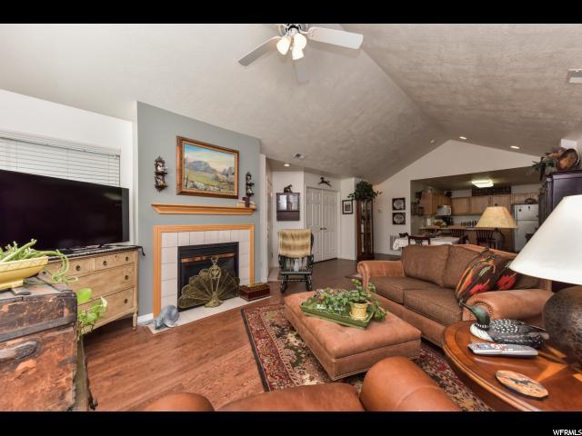 Additional photo for property listing at 4692 W VILLA VIEW Drive 4692 W VILLA VIEW Drive Unit: B West Valley City, Utah 84120 États-Unis