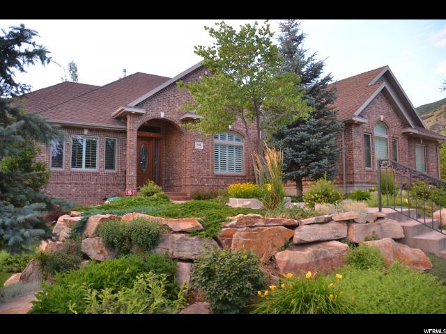 Single Family for Sale at 686 W SPRINGWOOD Drive Farmington, Utah 84025 United States