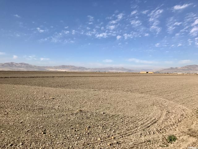 Additional photo for property listing at 7300 W 7200 N 7300 W 7200 N Tremonton, Utah 84337 États-Unis