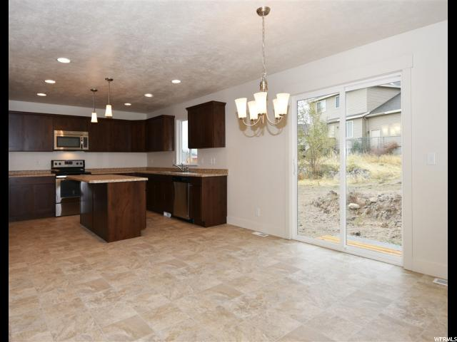 Additional photo for property listing at 835 S 480 W  Tooele, Юта 84074 Соединенные Штаты