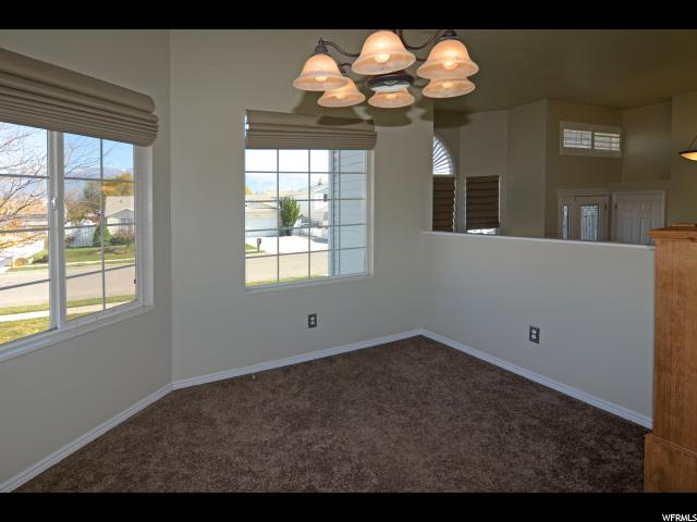 Additional photo for property listing at 1863 S 250 W  Clearfield, 犹他州 84015 美国