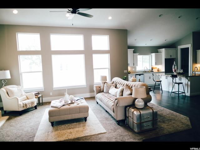 Additional photo for property listing at 1427 W WHEADON GLENN CV 1427 W WHEADON GLENN CV Unit: 211 South Jordan, Utah 84095 United States
