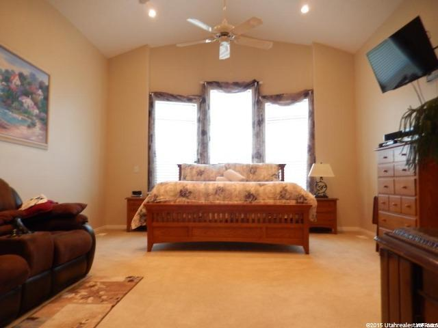 Additional photo for property listing at 283 S 300 E  Providence, Юта 84332 Соединенные Штаты