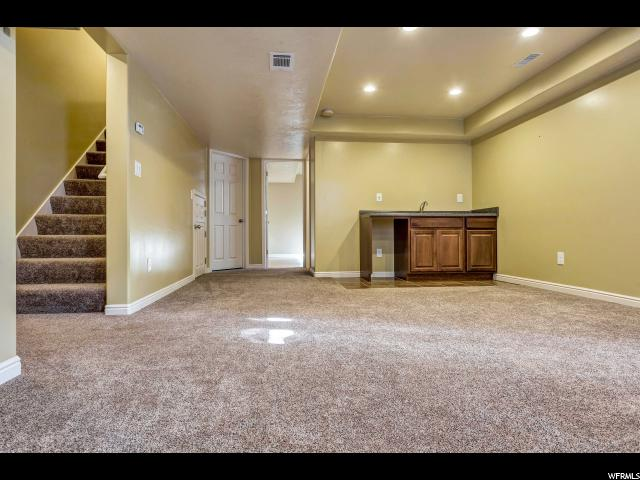Additional photo for property listing at 731 W 1900 S  Syracuse, 犹他州 84075 美国