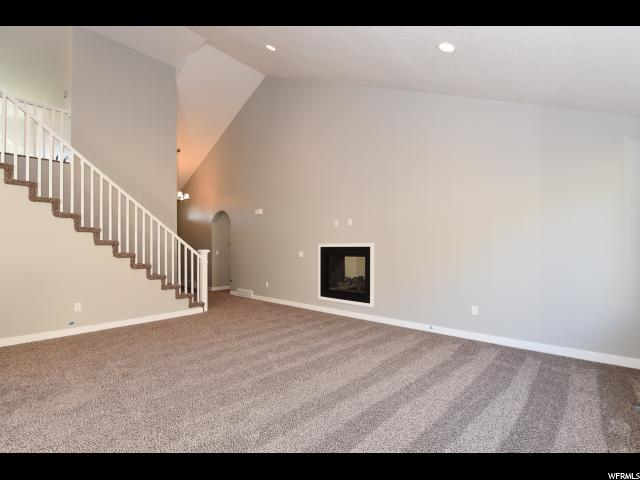 Additional photo for property listing at 227 S STEED Court  Farmington, Utah 84025 États-Unis