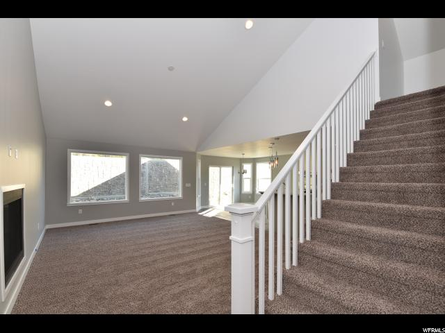 Additional photo for property listing at 227 S STEED Court  Farmington, Utah 84025 Estados Unidos