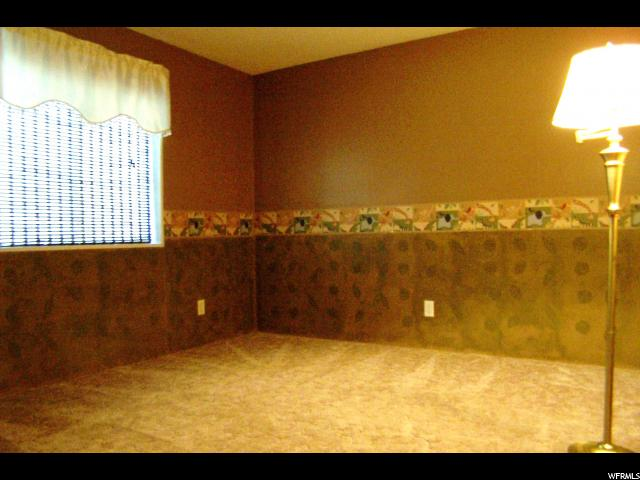 Additional photo for property listing at 43 W SUNSET  Layton, 犹他州 84041 美国