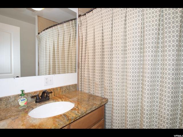 Additional photo for property listing at 45 S 760 E  Kaysville, Utah 84037 Estados Unidos