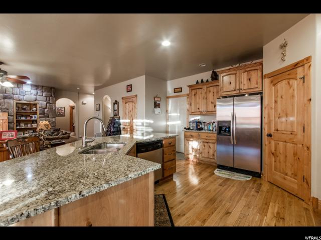 Additional photo for property listing at 736 S 100 W  Lehi, Utah 84043 Estados Unidos
