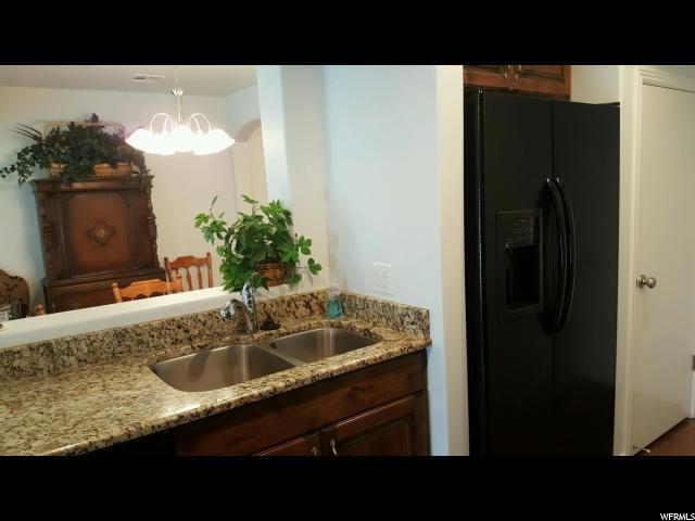 Additional photo for property listing at 1000 E BLUFFVIEW TOWN HOMES 1000 E BLUFFVIEW TOWN HOMES Unit: 122 Washington, Utah 84780 United States