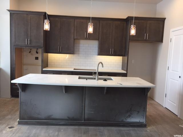 Additional photo for property listing at 7392 S CANYON CENTRE PKWY 7392 S CANYON CENTRE PKWY Unit: #11 Cottonwood Heights, Юта 84121 Соединенные Штаты