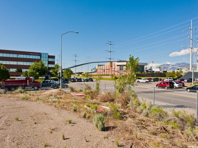 Additional photo for property listing at 10610 S JORDAN GATEWAY PKWY 10610 S JORDAN GATEWAY PKWY South Jordan, Utah 84095 Estados Unidos