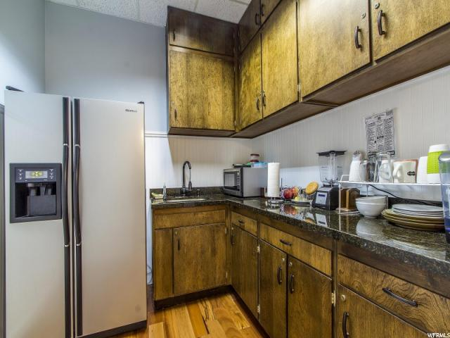 Additional photo for property listing at 515 S 1000 E 515 S 1000 E Unit: L-2 Salt Lake City, Utah 84105 United States