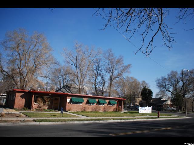 Commercial pour l à louer à 4995 S ATWOOD Boulevard Murray, Utah 84117 États-Unis