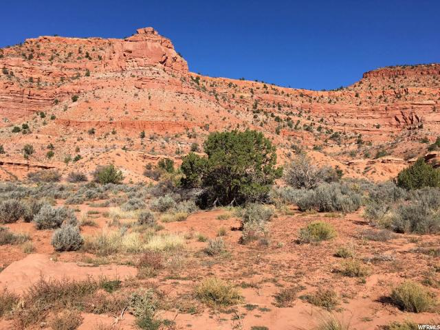 Additional photo for property listing at 875 COUNTRY CLUB Drive  Kanab, Utah 84741 Estados Unidos