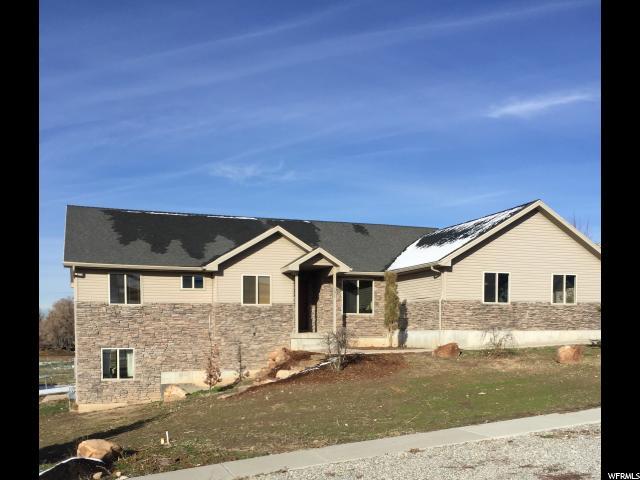 单亲家庭 为 销售 在 191 E 600 N Millville, 犹他州 84326 美国