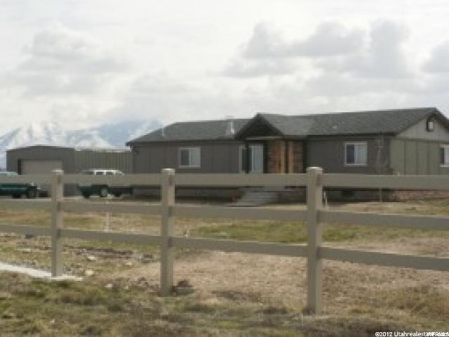 Unique la famille pour l Vente à 3847 W 5200 S Lake Shore, Utah 84660 États-Unis
