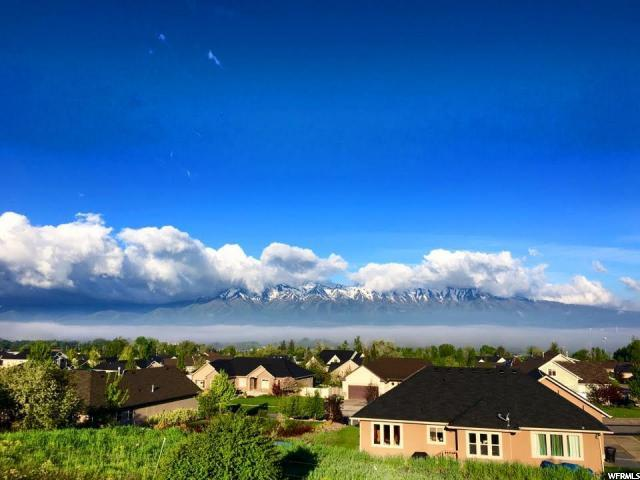 Additional photo for property listing at 283 E 500 N 283 E 500 N Millville, Utah 84326 Estados Unidos