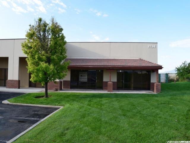 Commercial pour l à louer à 2734 S 3600 W 2734 S 3600 W Unit: M/N West Valley City, Utah 84119 États-Unis