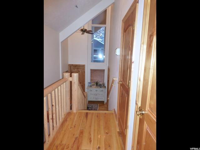 Additional photo for property listing at 9925 E POWDER RUN 9925 E POWDER RUN Unit: 9 B Alta Town, Utah 84092 États-Unis