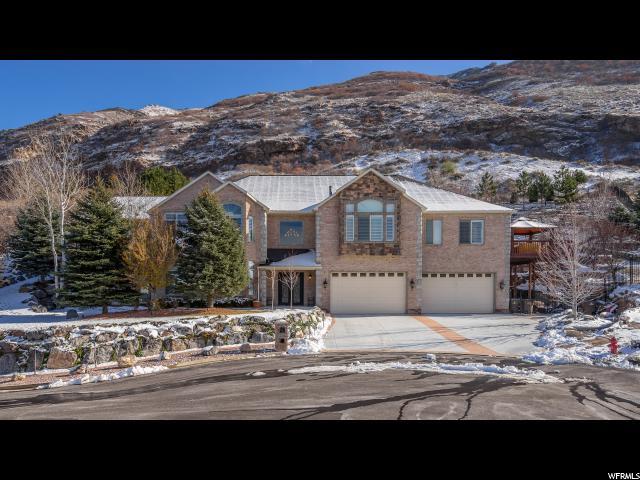 Unique la famille pour l Vente à 2312 E BEAR HILLS Court Draper, Utah 84020 États-Unis