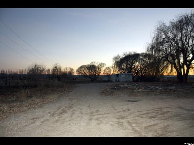 Additional photo for property listing at 8726 E 6000 S (HWY 40) 8726 E 6000 S (HWY 40) Jensen, Utah 84035 Estados Unidos
