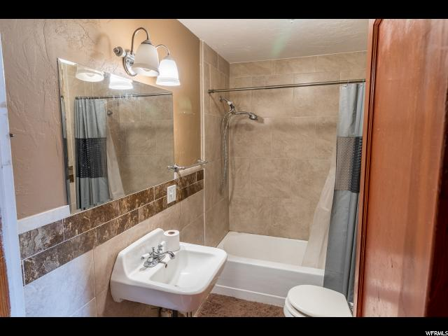 Additional photo for property listing at 34 N BEAR LAKE Boulevard  Garden City, Utah 84028 États-Unis