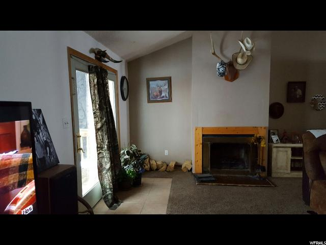 Additional photo for property listing at 219 W 650 N 219 W 650 N Vernal, Юта 84078 Соединенные Штаты