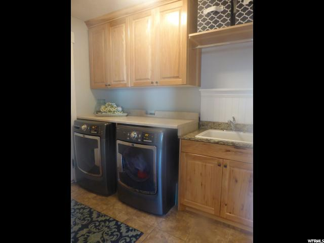 Additional photo for property listing at 310 E 100 N 310 E 100 N Millville, Utah 84326 Estados Unidos