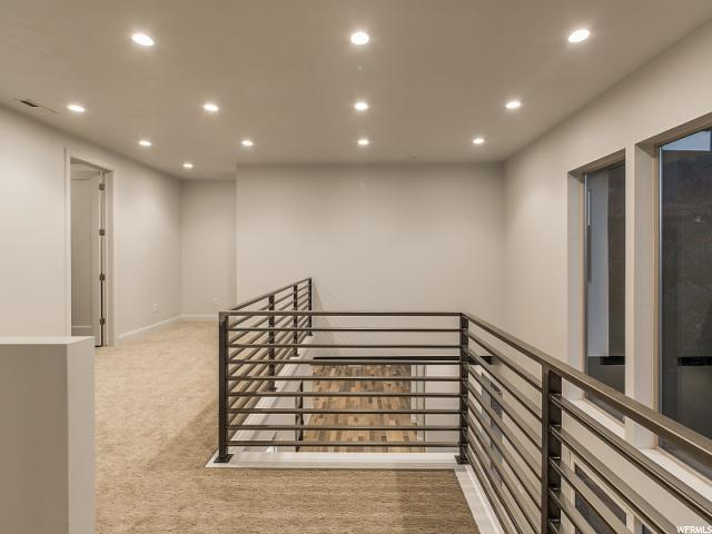 Additional photo for property listing at 3023 E JANKE FLATS RES 3023 E JANKE FLATS RES Unit: 4 Sandy, Utah 84092 États-Unis
