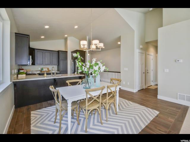 Additional photo for property listing at 10676 S BRIDLEWOOD Lane 10676 S BRIDLEWOOD Lane Unit: 15 Sandy, Utah 84092 États-Unis
