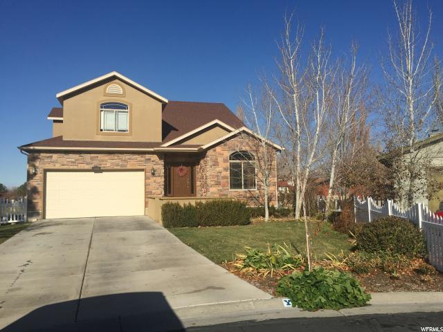 单亲家庭 为 销售 在 162 COUNTRY CLB 斯坦斯伯里帕克, 犹他州 84074 美国