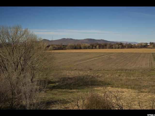 Additional photo for property listing at 3700 7600 3700 7600 Honeyville, Utah 84314 Estados Unidos