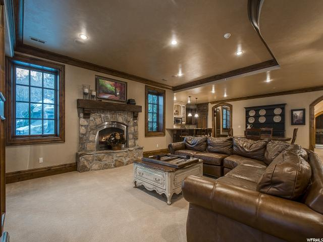 Additional photo for property listing at 18 S SNOW FOREST Lane 18 S SNOW FOREST Lane Sandy, Utah 84092 États-Unis