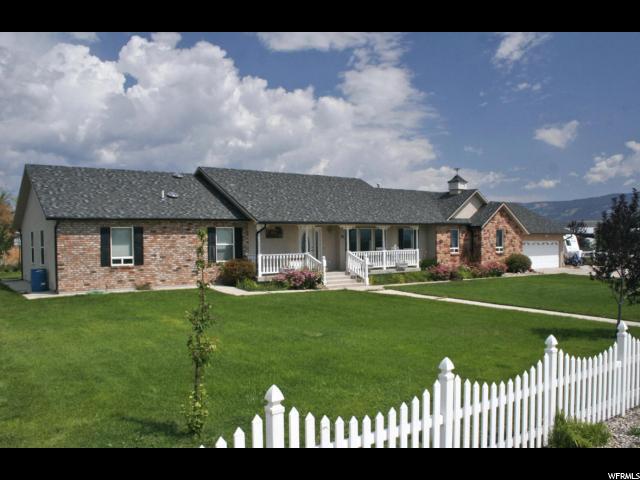 单亲家庭 为 销售 在 76 W 300 S Loa, 犹他州 84747 美国