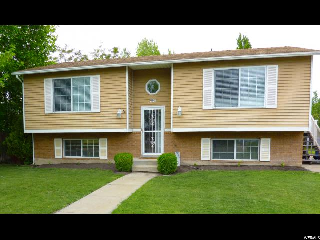 Unique la famille pour l Vente à 694 W 2300 N West Bountiful, Utah 84087 États-Unis