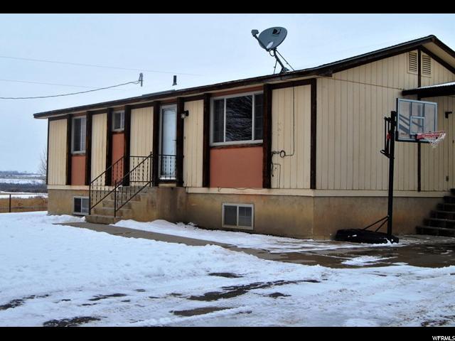 单亲家庭 为 销售 在 6518 E ASHLEY CREEK ROAD Road Jensen, 犹他州 84035 美国