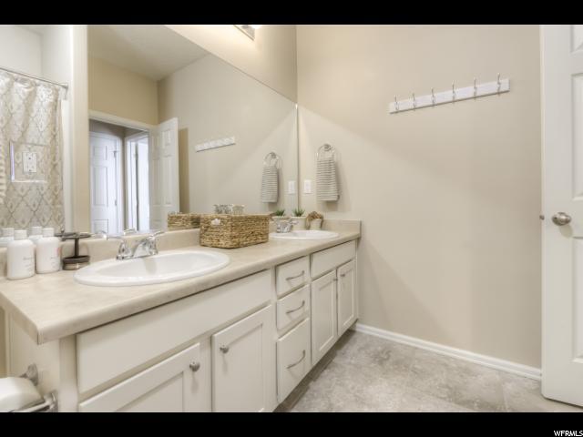 Additional photo for property listing at 3327 N FALCON WAY  Layton, Utah 84040 États-Unis