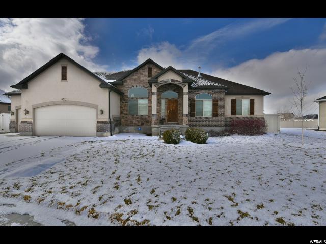 单亲家庭 为 销售 在 5571 N LANYARD Lane 斯坦斯伯里帕克, 犹他州 84074 美国
