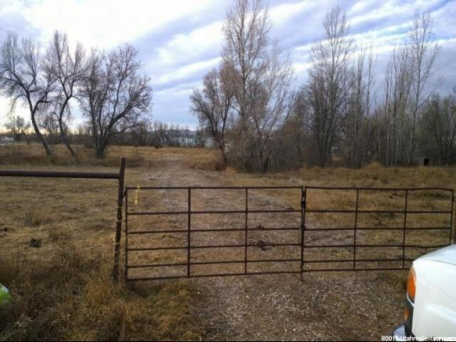 Additional photo for property listing at 975 W 500 S 975 W 500 S Vernal, 犹他州 84078 美国