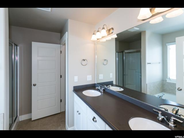Additional photo for property listing at 811 N SILVER WOLF Road 811 N SILVER WOLF Road Unit: 93 Elk Ridge, Utah 84651 Estados Unidos