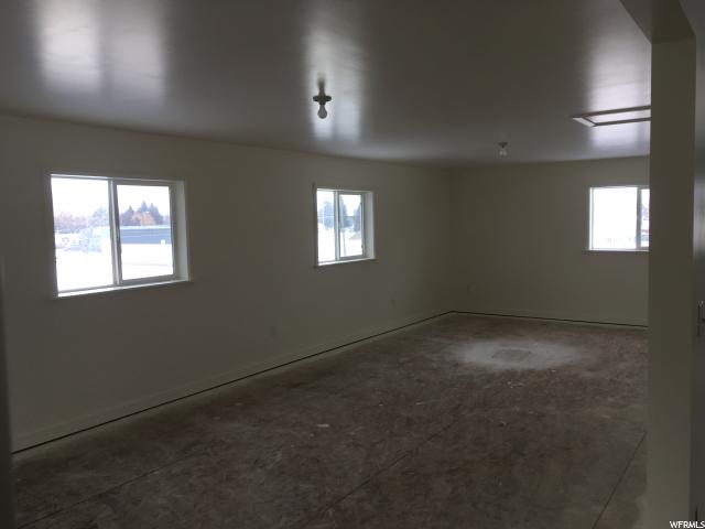 Additional photo for property listing at 406 E 1 N Street  Grace, Idaho 83241 United States