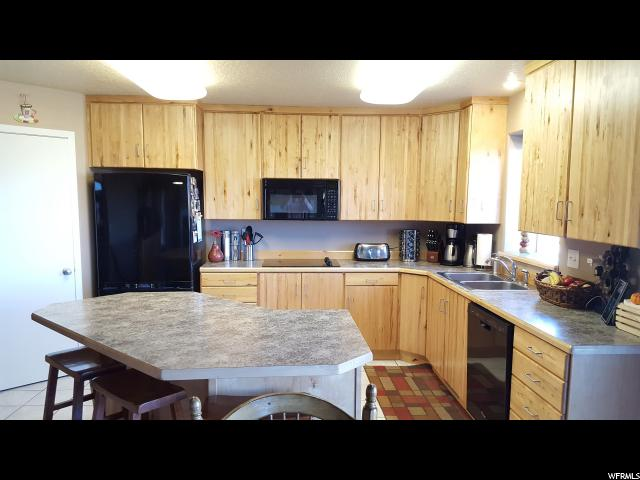 Additional photo for property listing at 3021 E 5000 S 3021 E 5000 S Vernal, Юта 84078 Соединенные Штаты