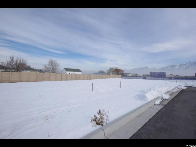 Additional photo for property listing at 3000 W 12600 S 3000 W 12600 S Riverton, Utah 84065 États-Unis