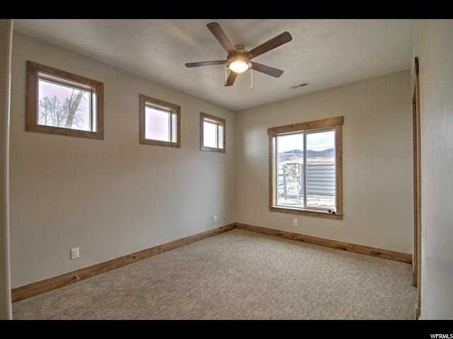 Additional photo for property listing at 617 S AMBER Lane 617 S AMBER Lane Unit: #10 花园城, 犹他州 84028 美国
