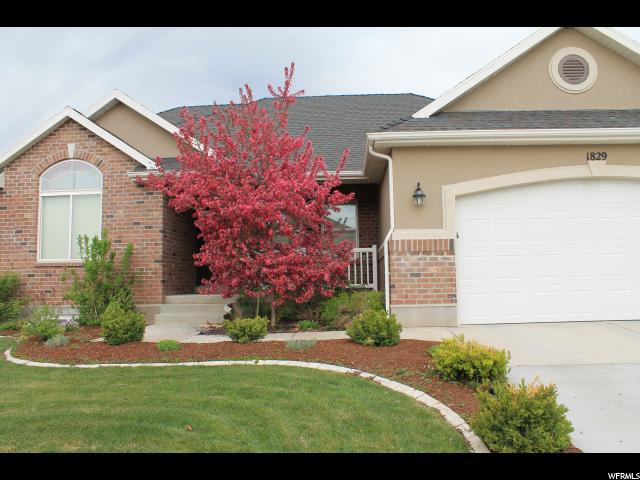 Single Family for Sale at 1829 S 1955 W Woods Cross, Utah 84087 United States
