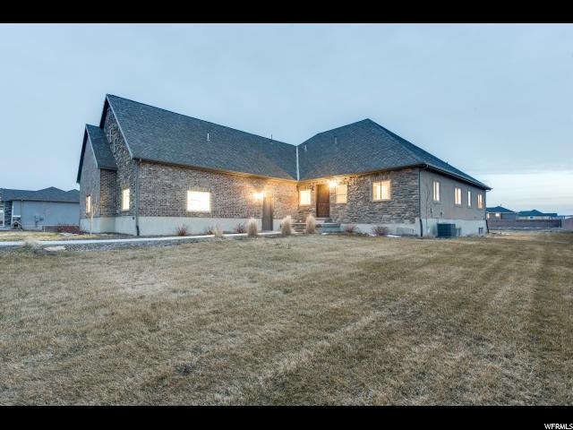单亲家庭 为 销售 在 592 E CARRAIGE Court Grantsville, 犹他州 84029 美国
